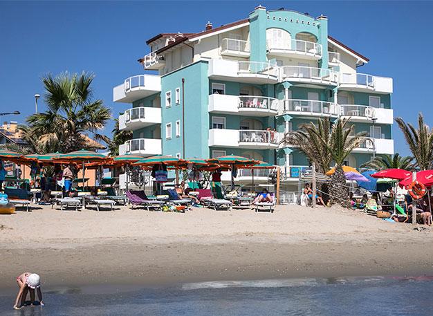 Residence mare abruzzo residence martinsicuro for Appartamenti pescoluse sul mare